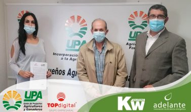 Foto firma acuerdo KW y UPA